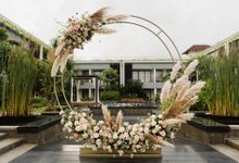 Trendsetter Wedding Lately is....Pampas Grass by Bali Wedding Atelier