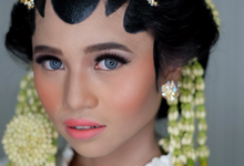Javanese Bride by Arini Makeup Artist