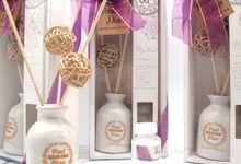 Elegant Aroma Diffuser Include Box by Fine Souvenir