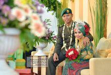 Muslim Jawa Wedding Photos by Poetrafoto Photography