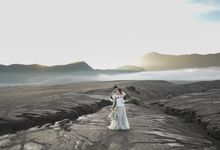 Andre & Valen Bromo by ANTHEIA PHOTOGRAPHY