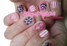 Painting Nails by Story of Nailart