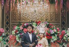 XXI Ballroom -  Mandailing Wedding Reception of Iman & Dira by Sentra Bunga