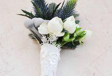 Flower accesories by Blooming Elise Flowers