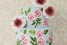 Hand Painted Roses Cake by Creme de la Creme Bali