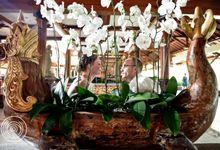 Balangan Cliff Wedding - Daria & Alexander by Iwan Photography