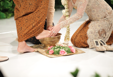 Rian & Astri Javanese wedding by Batik Rosethree