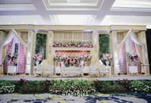 Compilation of Traditional Wedding Stage Decor 9F by  Menara Mandiri by IKK Wedding (ex. Plaza Bapindo)