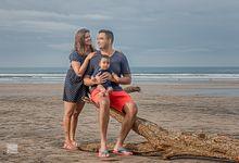 family photoshoot at kuta beach bali by Goez Bali Photography