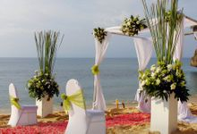 Lavish Love Package - Beach Wedding (Rp. 40,000,000 nett) by tanadewa luxury villas & spa