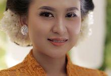 Javanese Bride by Sanggar Rias Indah