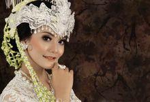Sunda Siger Bride by Sanggar Rias Indah