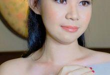 Ms Devina by Junie Fang Makeup Artist