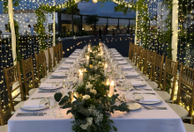 Intimate Wedding Reception at Renaissance Uluwatu  by Becik Florist