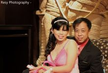 Linda and Philip Indoor Pre Wedding by Resy Photography