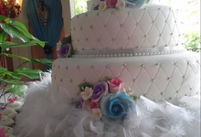 Hasibuan Wedding Cake by Hasibuan Catering And Wedding Services