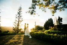 A Romantic and Intimate Wedding in Tagaytay by Jexter Jordan