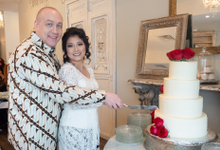 Intimate wedding day of Ivy and Kent by Boenga Bridal Couture