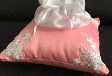 Pastel Wedding Pillows by La Bella