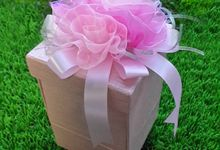 Bridesmaid pillow package by Fashion Pillow Weds