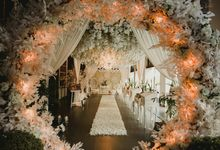 All White Ballroom Decoration by Bali Wedding Planner