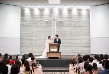 Church wedding of W and M by oolphoto