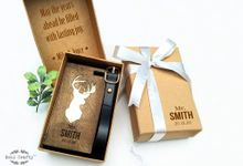 Personalized Buck Doe wooden luggage tag by Soul Crafty
