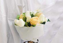 Artificial Flower Bouquet by Kimy.Florist