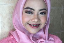 Ms. Dessy by byreginaarifah