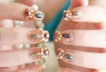 nail art- 24 pcs kuku palsu dengan warna gold super mewah by Triwindu shop