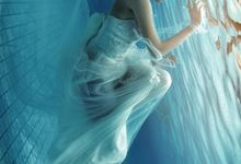 Foto Underwater (Prewedding&Modelling) by VANES PHOTOGRAPHY