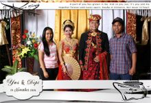 Yus & Depi Wedding by New Picturesque Express Photo Corner / Photobooth