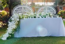 Chic & Rustic Garden Wedding In Green & White by magical blossoms