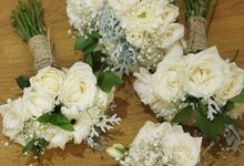 Bridemaids bouquets by Rhea flowers shop