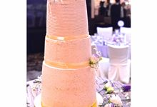 Wedding Cakes & Cakes by The Artisan's Apron