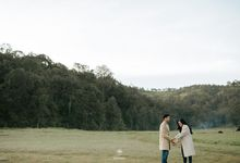 The Couple Session of Chaca & Dipta by TeinMiere