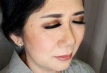 Mom Makeup by Brushed by Del