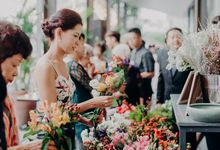 Eclectic Wedding Flower Bar by Petalfoo