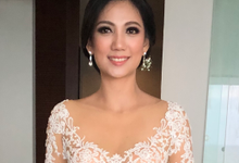 Classy Fabulous Make Up for wedding day by Carmelia & Team Make Up Artist