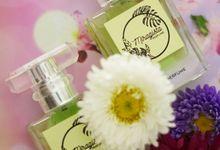 jasa poto produk Parfum by Retouch Perfection Photography