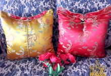 Cheongsam Wedding Pillow for Sangjit by Fashion Pillow Weds