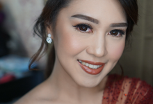 Engagement for Sisca  by Chesara Makeup