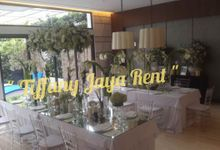 Tiffany Clear Transparant by TIFFANY JAYA RENT-KURSI TIFFANY