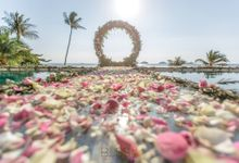 Romantic wedding ceremony on the over water with transparency stage at conrad koh samui by BLISS Events & Weddings Thailand