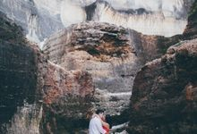 Colorful Beach Couple Session in Bali by fire, wood & earth