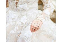 New Castle Wedding by MeaMarie Bridal Atelier