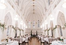 Classic Elegance in Chijmes Hall by Chijmes Hall by Watabe Singapore Pte Ltd