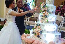happy wedding Wisnu  by Pelangi Cake