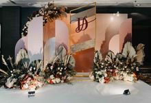 Dickson & Sue - Gold, champagne, blush, burgundy, brown Wedding by Blissmoment