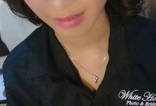 Natural make up for bride by RZKA make-up